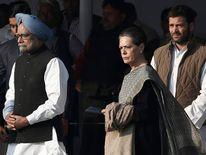 (L-R) Manmohan Singh, Sonia Gandhi, Rahul Gandhi