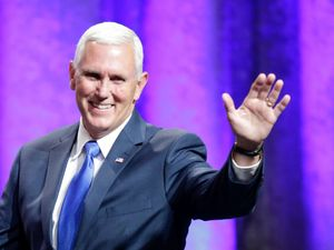 Mike Pence's campaign plane slides off LaGuardia runway