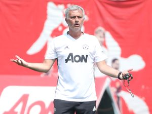 Mourinho's Man United Will Chase Title Glory