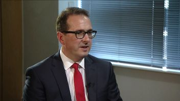 Labour leadership candidate explains his use of robust language about 'smashing' the Tories