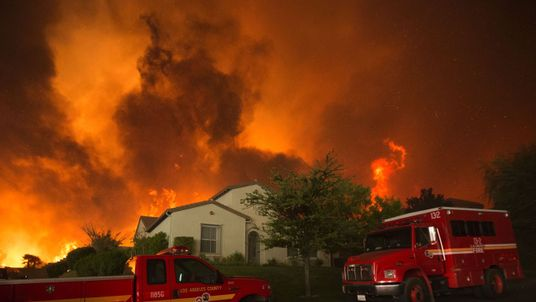 Flames close in on homes at the Sand Fire in Santa Clarita