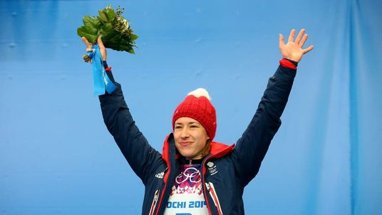 Lizzy Yarnold wins gold in skeleton at Winter Olympics