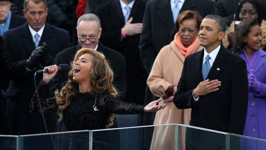 Beyonce performs the national anthem as the US president is sworn in.