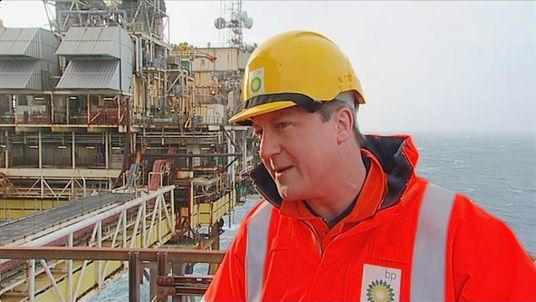 240214 UK POL David Cameron North Sea Oil Rig BP