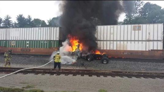 Truck driver escapes death in Kentucky train crash