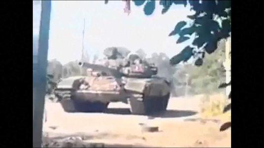 Russian tank filmed in Novoazovsk, Ukraine