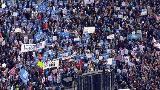 Junior doctors protest against new contracts