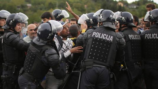 Riot police on Slovenian border