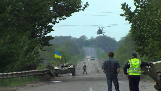 Ukrainian helicopter near Slavyansk before being shot down