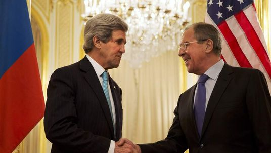 John Kerry (L) and Sergey Lavrov (R)