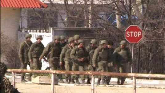 Russian troops massing along Ukraine border