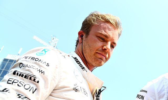 Hamilton overtakes Rosberg with record Hungary win