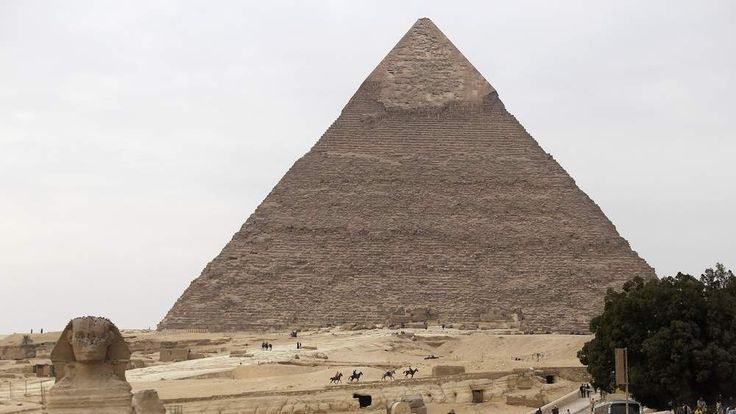 Daily Life In Cairo As Egypt's Tourism Revenues Fall
