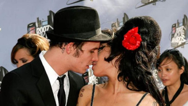 Amy Winehouse and Blake Fielder-Civil at the MTV awards in 2007