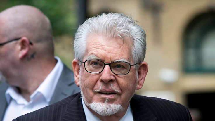 Rolf Harris arrives at court to hear his defence counsel's closing speech