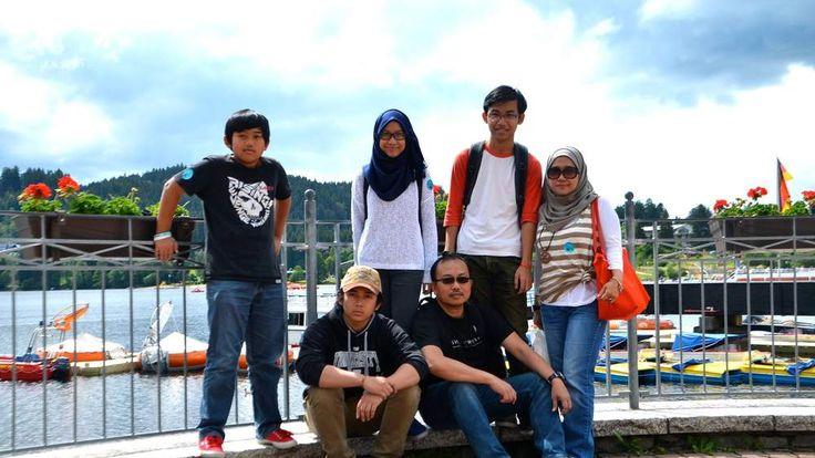 Top L-R Afruz Tambi, Marsha Azmeena, Muhammad Afzal and Ariza Ghazalee. Bottom L-R Muhammad Afif, Tambi Jiee. Pic: Facebook