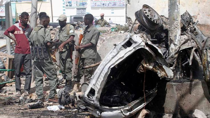 Wrecked car, Mogadishu
