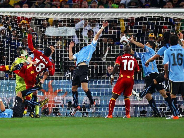 Uruguay Ghana 2010 Luis Suarez Hand Ball
