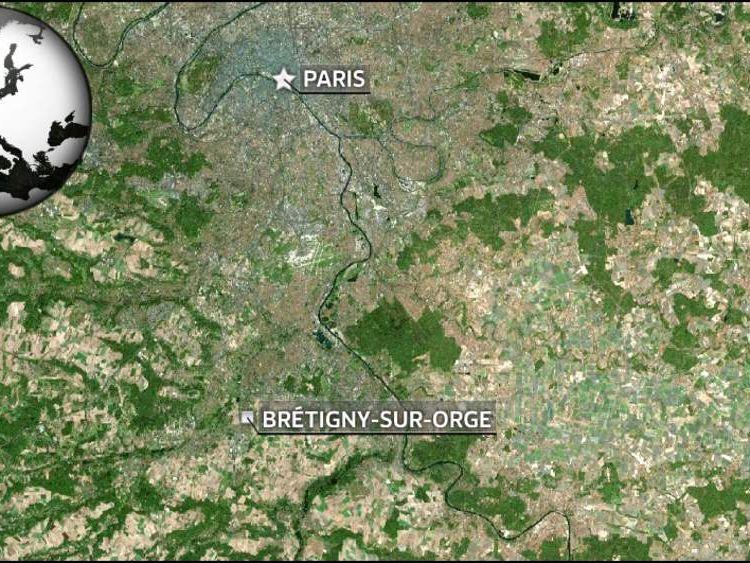 Train crash outside Paris