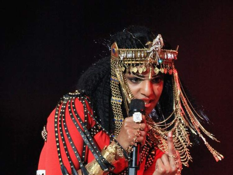 M.I.A. gives the finger during the 2012 Super Bowl half-time show
