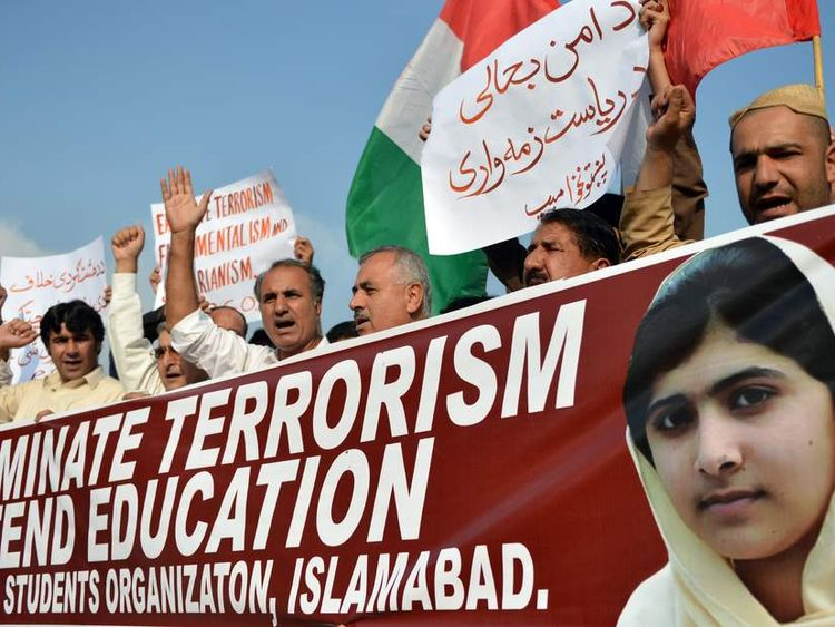 Protest in Pakistan against atack on Malala Yousafzai