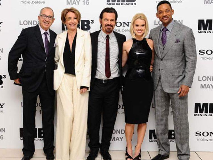 Cast Of Men In Black 3