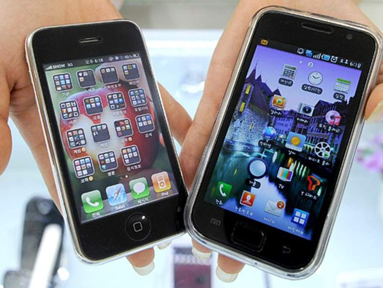 Samsung Electronics' Galaxy S mobile phone (R) and Apple's iPhone 3G