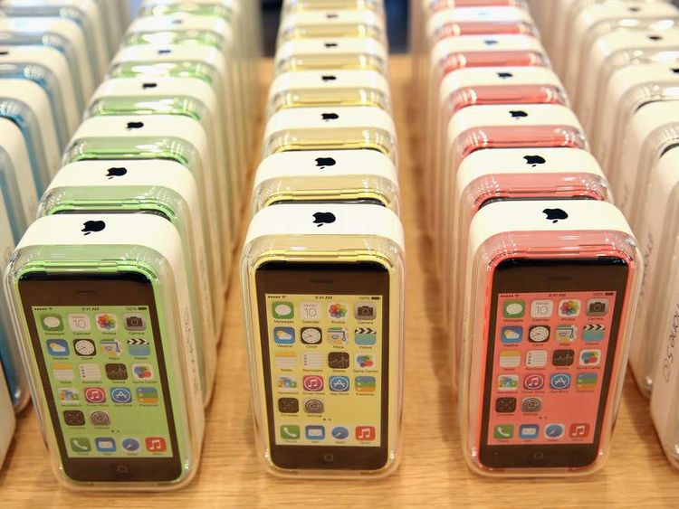 Apple Begins Selling iPhone 5 S/C In Berlin