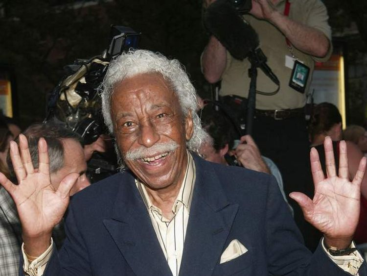 Gordon Parks arrives at the 60th Anniversary of 'Casablanca' gala tribute screening in 2003