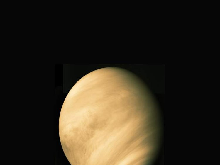 Evidence of active volancoes on Venus