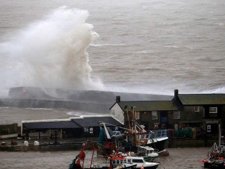Gales and Heavy Rain Threaten Festive Getaway