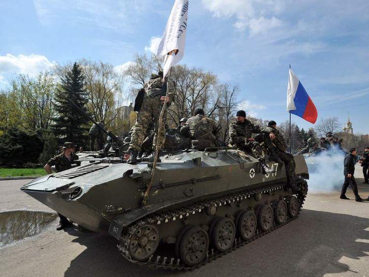 Tanks in Slavyansk