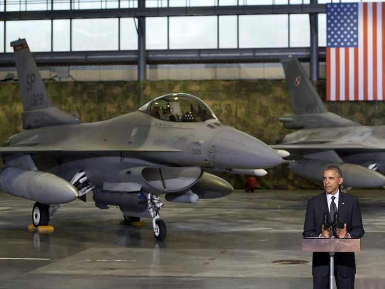 US President Barack Obama and fighter jet