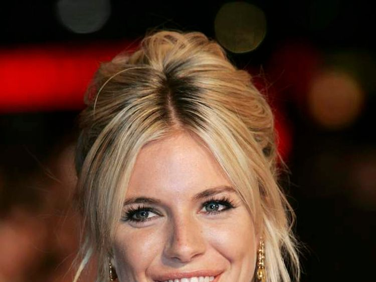 Sienna Miller at the UK premiere of Factory Girl in 2007