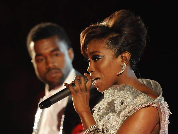 Kanye West and Estelle perform American Boy at the Grammys