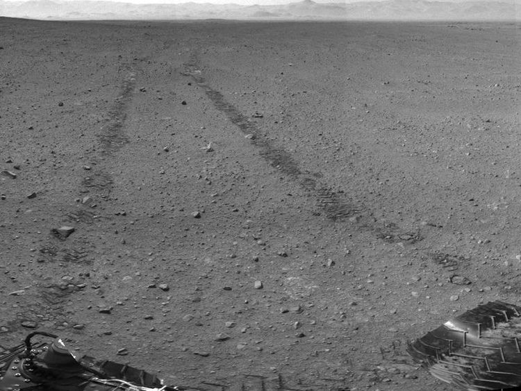 Nasa Images Show Tracks Left By Mars Rover Curiosity