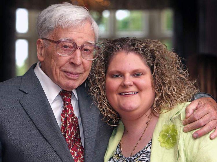Sir Robert Edwards pioneer of IVF dies