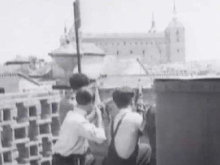 People fighting in Spanish civil war