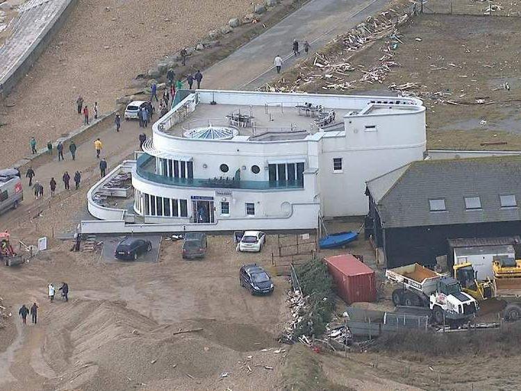 Marine restaurant evacuated in Milton on Sea during storms