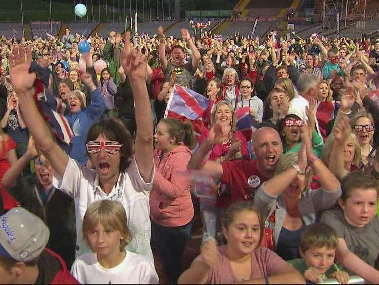 Olympic Crowd Ennis