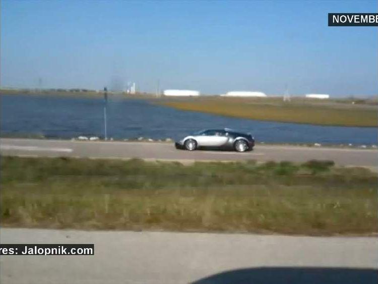 Bugatti crashes in Texas