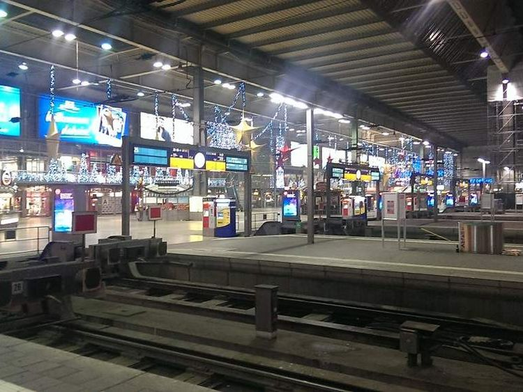 Image of a deserted Munich Station after Police alert
