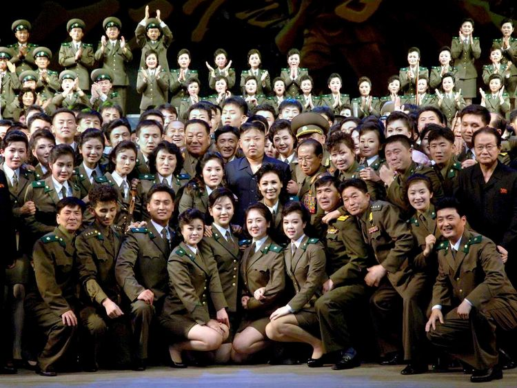 North Korea leader Kim Jong-Un with soldiers
