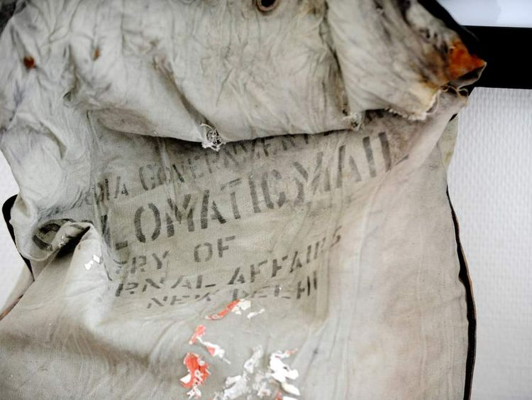 "diplomatic bag reading ""Diplomatic mail"" and ""Ministry of external affairs"" belonging to the Indian Government found on Mont Blanc"