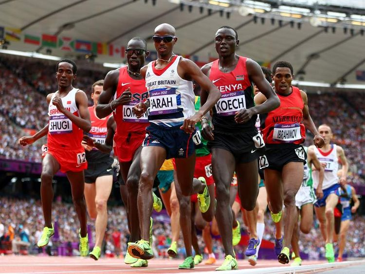 Britain's Mo Farah qualifies for the 5,000m final at the Olympic Stadium