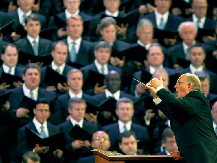 Wilberg leads The Mormon Tabernacle Choir in Salt Lake City