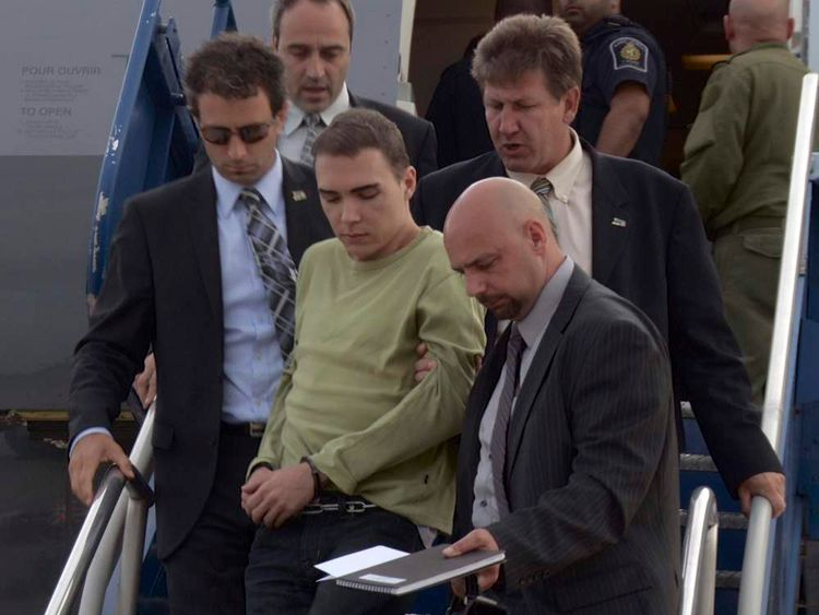 Luka Magnotta extradited from Germany to Canada