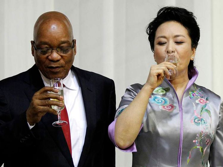 South Africa's President Zuma shares a toast with China's first lady Peng in Pretoria