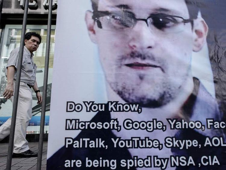 Banner in support of Edward Snowden
