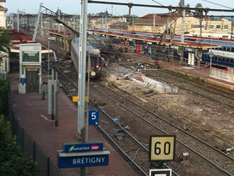 Train crash near Paris